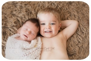 regina-newborn-siblings-photography(pp_w880_h586)