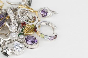 Cum să-ți cureți bijuteriile de argint – 5 metode testate de mine