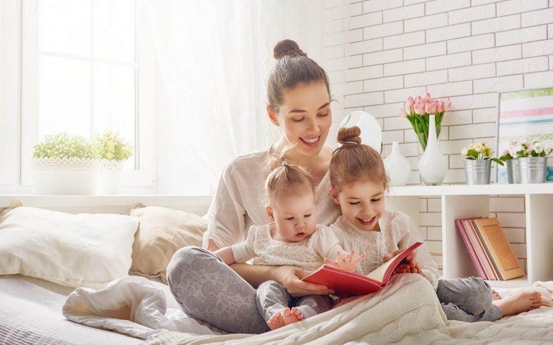 Cum încurajăm copiii să se apropie de cărți