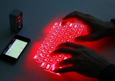 Tastatură laser