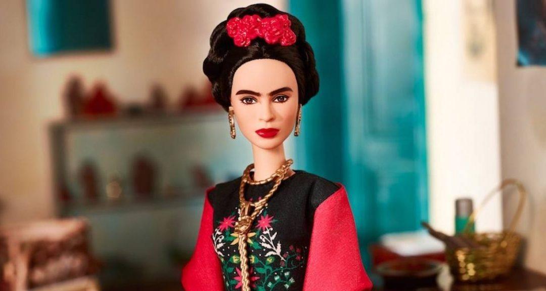 Le cumpărăm sau nu le cumpărăm copiilor păpuși Barbie?