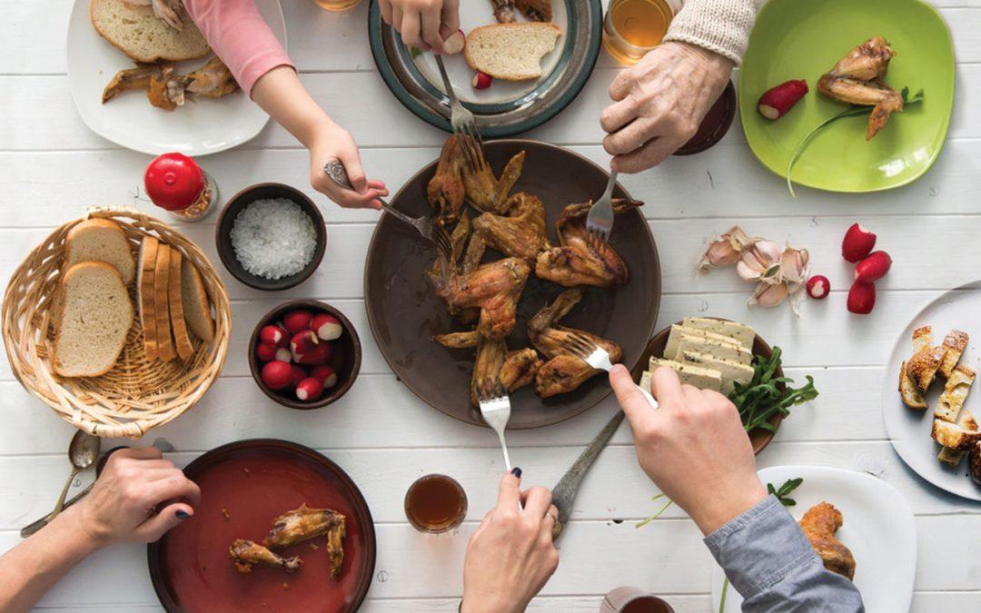 Fiecare mănâncă altceva – Cum facem să ne așezăm totuși la aceeași masă