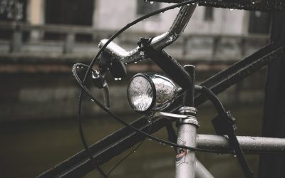 Cu bicicleta la plimbare toamna
