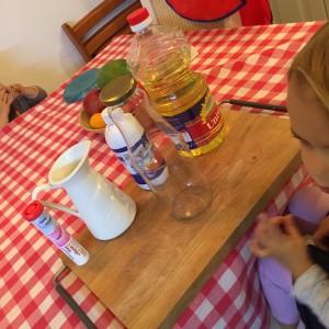 Lava in bucatarie – activitati pentru copii mici si mari