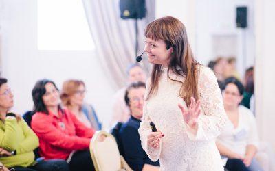 """""""Educația pozitivă înglobează educarea inimii cu educarea minții"""" – Interviu cu Valentina Secară"""